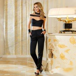 Iuliana Alexievici este absolventa cursului de design vestimentar al Institutului